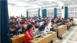 Học sinh, sinh viên trở lại trường sau đợt nghỉ do dịch COVID-19