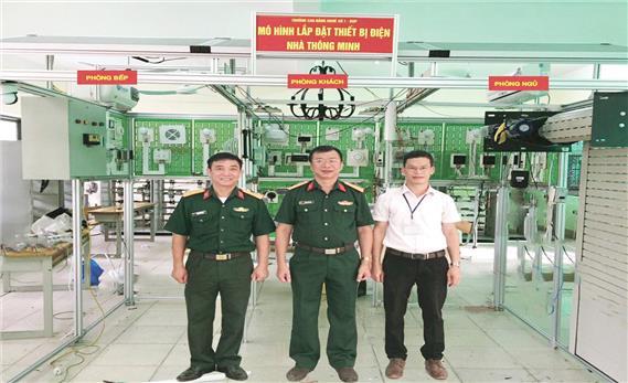 Đạt giải nhất Hội thi thiết bị đào tạo tự làm toàn quốc